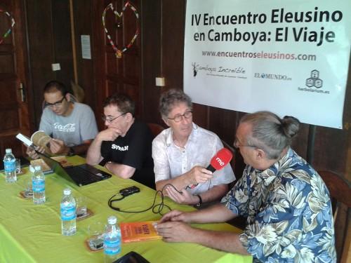 Los Encuentros Eleusinos en Camboya en «Buscando la foto» (RNE)