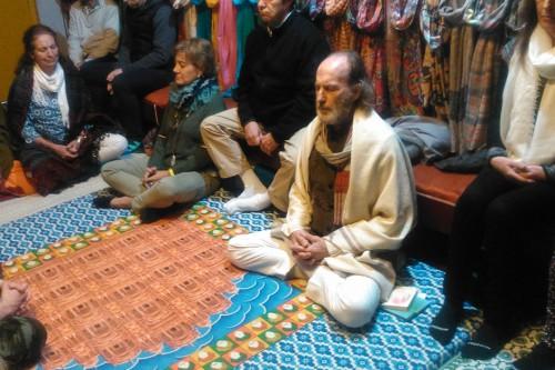 Meditación guiada con Fernando Díez en Benarés